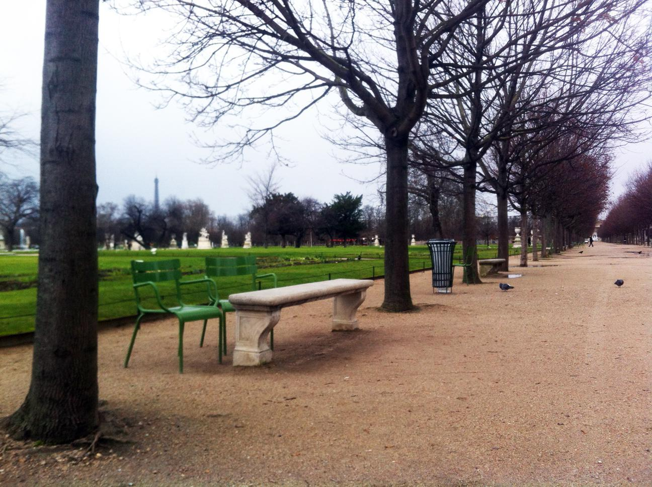 fermob luxembourg chair in jardin des tuileries in paris. Black Bedroom Furniture Sets. Home Design Ideas