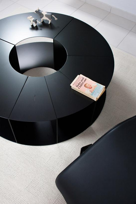ilias_fragkakis_pie_table_black_02