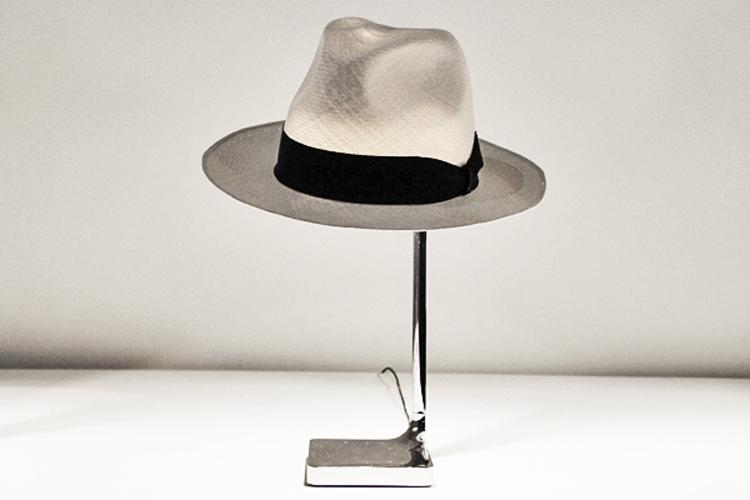 philippe starck's 'chapeau' table lamp for flos