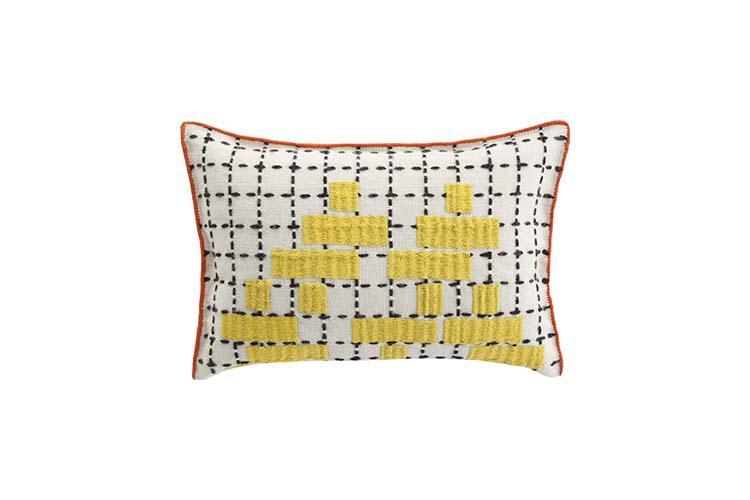 cushion_C_yellow