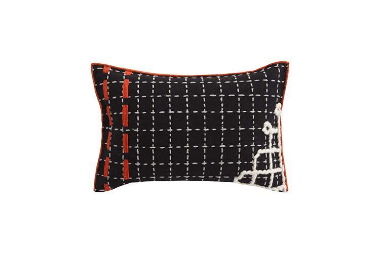 cushion_D_black