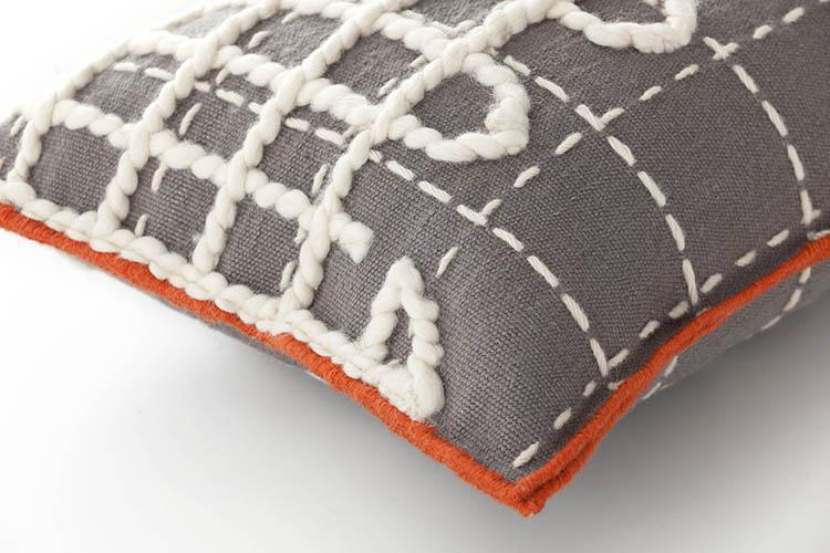 cushion_detail_A_grey